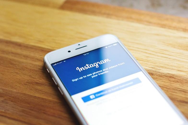 Prowadzenie konta klienta na Instagramie przez wirtualną asystentkę. Na czym właściwie polega?