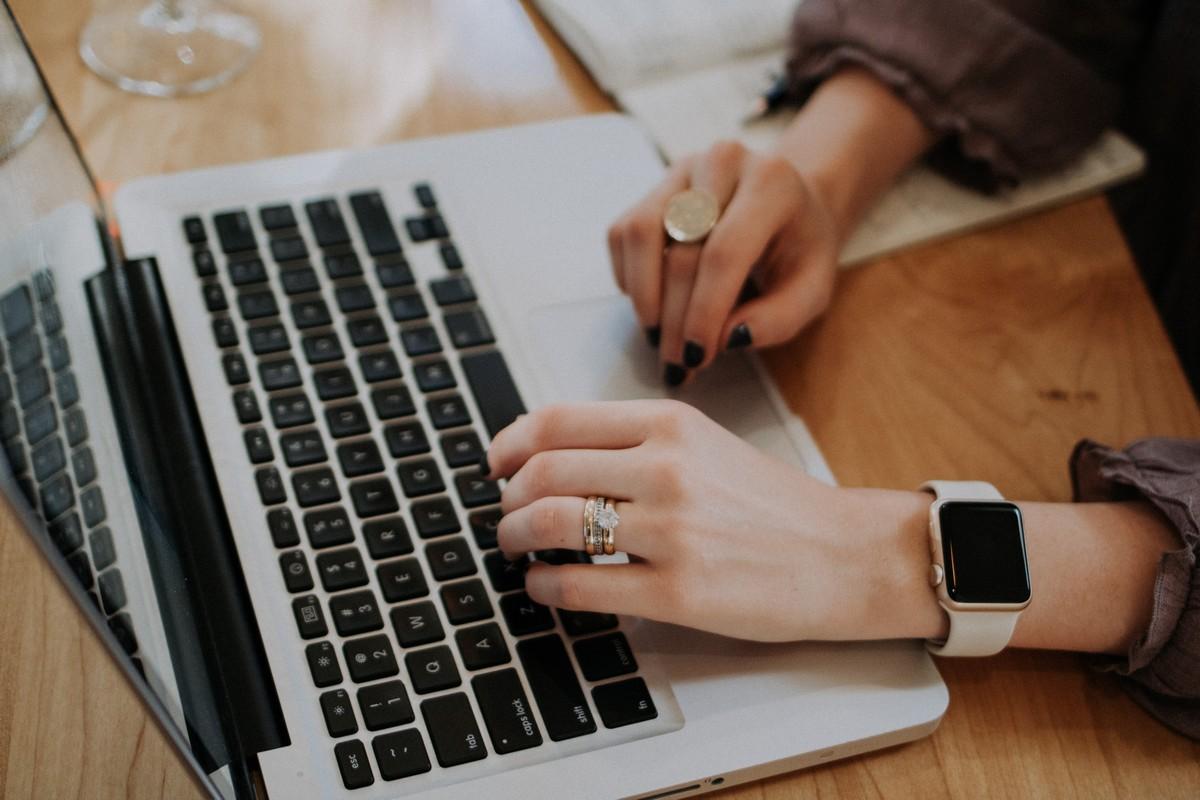 Jak wirtualna asystentka może pomóc przed i po webinarze?