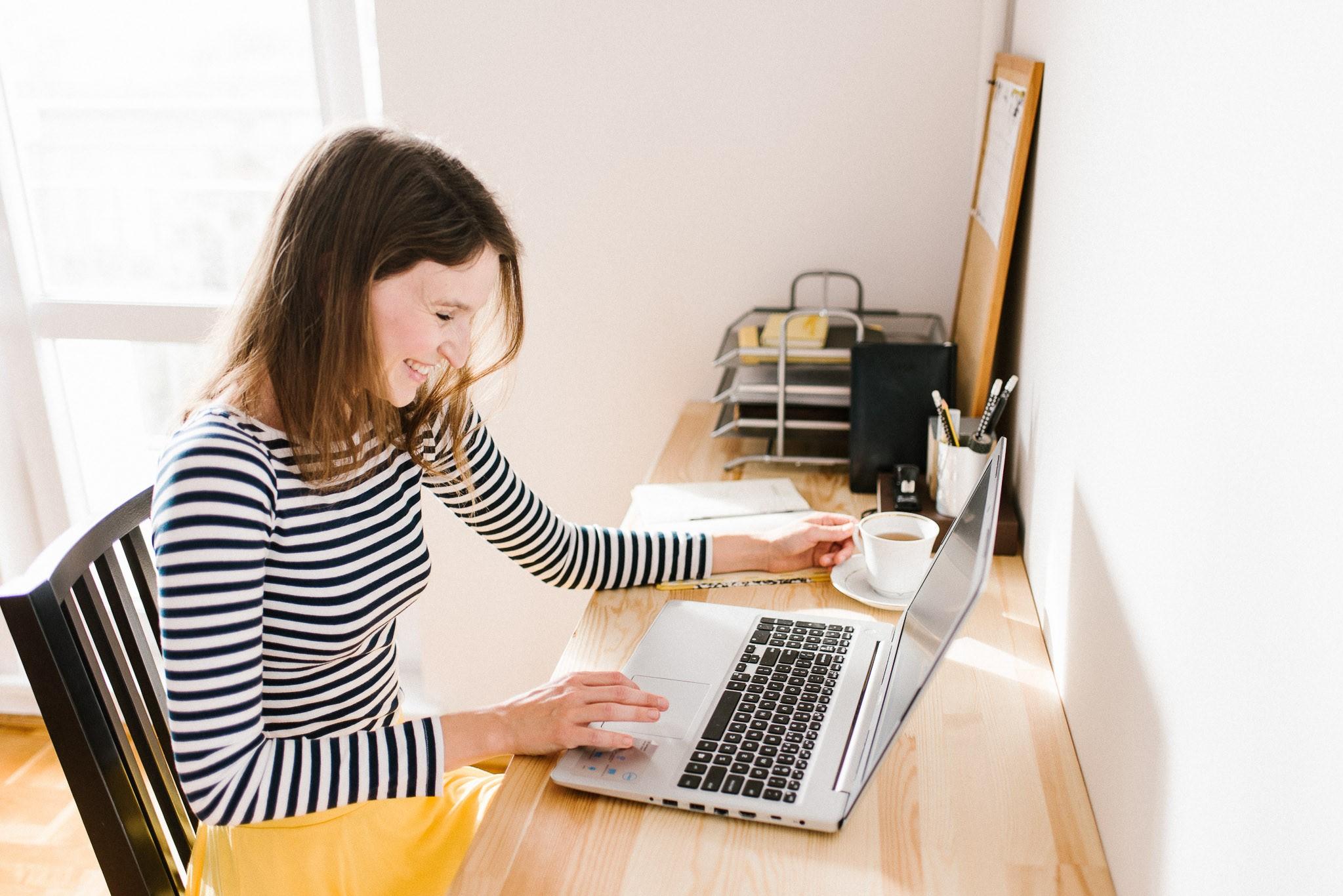 Jak zostać wirtualną asystentką? Ebook dla początkujących wirtualnych asystentek.