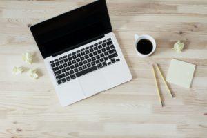 Jak wirtualna asystentka może pomóc w prowadzeniu grupy na Facebooku?